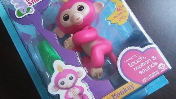 FACTORY SEALED **RED FINGERLINGS BABY MONKEY** SUPER CUTE AND A BEST SELLER THIS HOLIDAY SEASON!