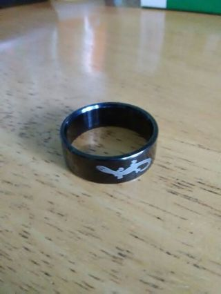 Used men's black ring