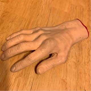 CREEPY REALISTIC HAND