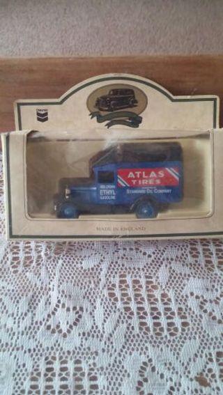 Very collectible Chevron Atlas tire truck