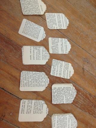 25 vintage Ben Hur paper tags with GIN bonus