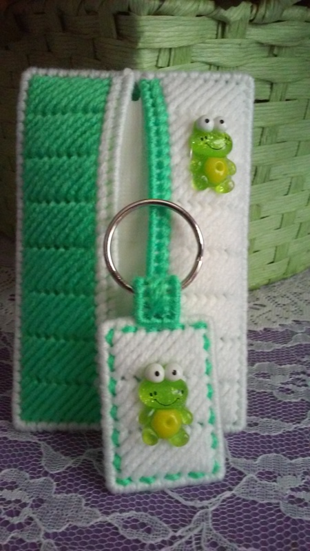 Free Green Amp White Quot Frog Quot Tissue Holder Amp Key Chain Gift
