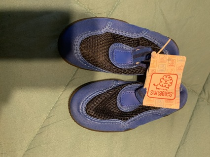 New~ Boat  shoes toddler 7/8