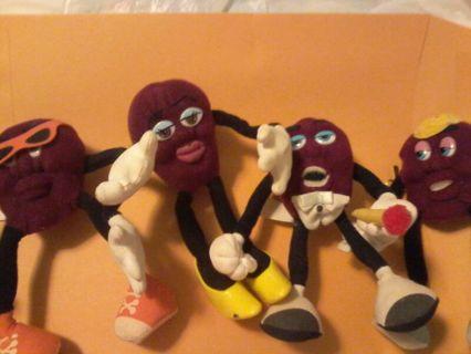 Four stuffed raisens !