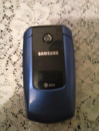blue samsung att camera phone in good working condition
