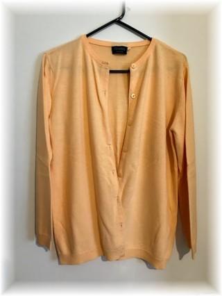 Womans Creamy Peach Sweater - sz M