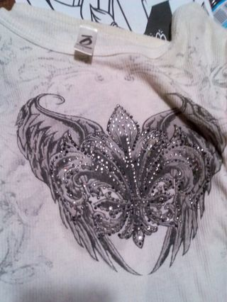 Women's shirt with wings