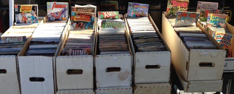 25 Random Marvel and DC Superhero Comic Books - X-Men Superman Flash Batman Spider-Man Hulk Avengers