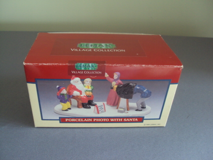 NEW IN BOX LEMAX VILLAGE PHOTO WITH SANTA