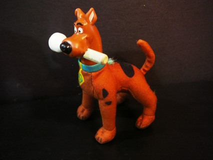 "Nickelodeon Stuffed ""Scooby Doo"" Figurine"