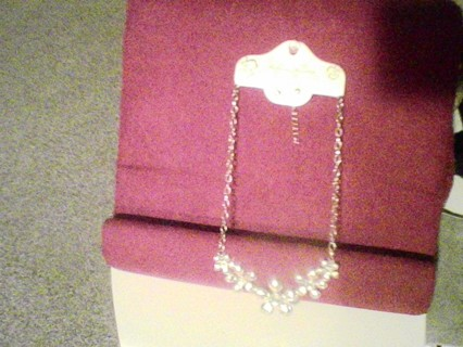 """3 piece set=NEW GOLDEN METAL FLOWER NECKLACE{18""""}with CRYSTAL CENTERS & MATCHING CRYSTAL EARRINGS"""