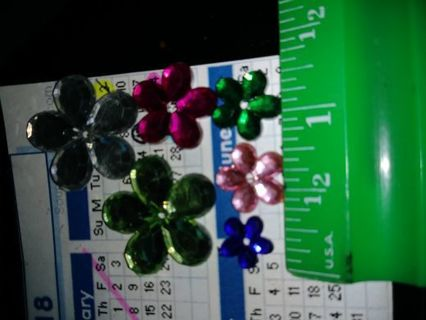 Flatback- Lot of Flowers (6)- jewelry beading supplies