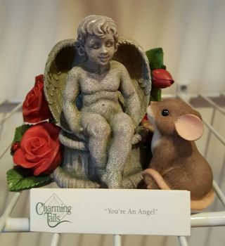"""~*~*~*~ Charming Tails - """"You're an Angel"""" - Limited Edition collectable figurine ~*~*~*~"""