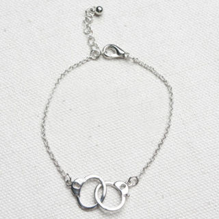 [GIN FOR FREE SHIPPING] Womens Chic Handcuffs Bracelet