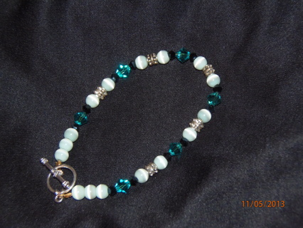 Swarovski crystal and cat's eye bead bracelet Hand Made