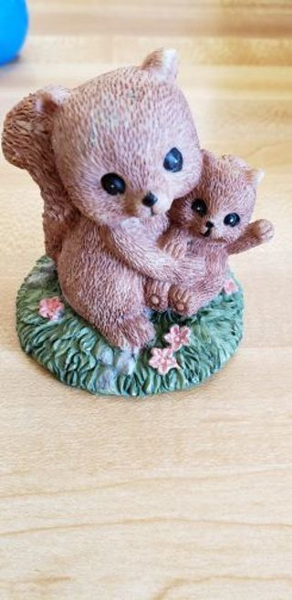 Mommy/Daddy Squirrel & Baby Figurine