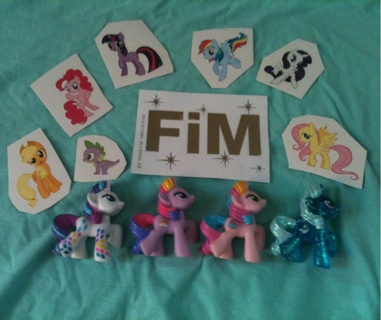 Lot Of 4 My Little Pony MLP Blind Bag Ponies Rarity And Trixie Plus Stickers!